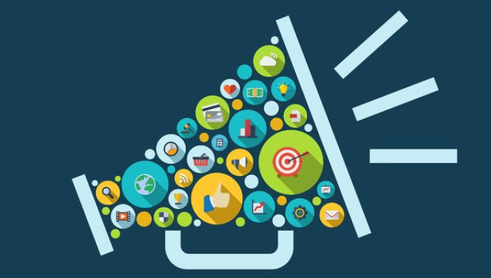Which is Powerful : Digital Marketing Vs Traditional Marketing